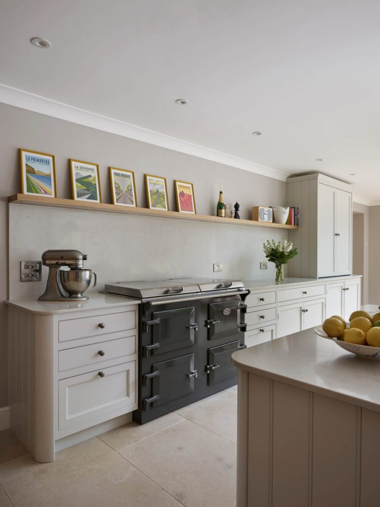 Modern and traditional style kitchen featuring Everhot appliance placed inbetween kitchen worktop